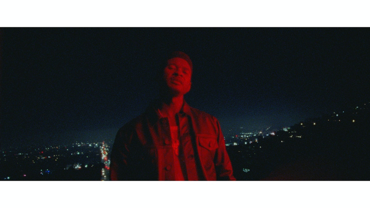 USHER_Peace_Sign_Graded_PNG_0000029