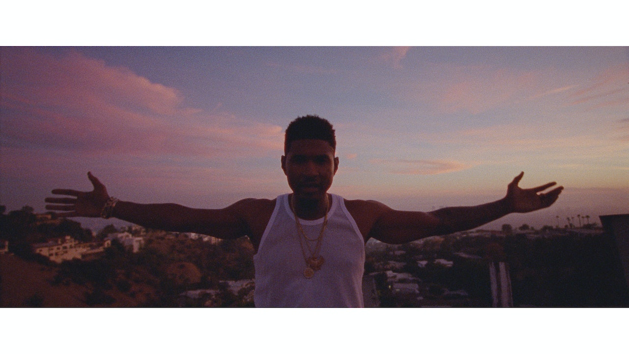 USHER_Peace_Sign_Graded_PNG_0000010