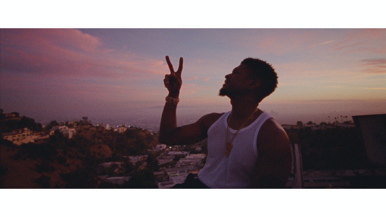 USHER_Peace_Sign_Graded_PNG_0000018