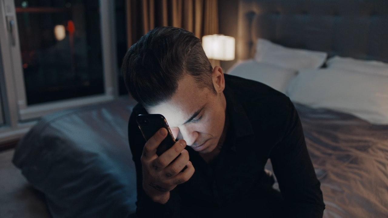 Robbie Williams - Mixed Signals -