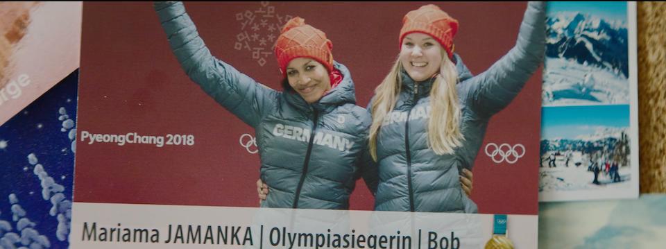 Goggle: Olympic winner - Mariama Jamanka -
