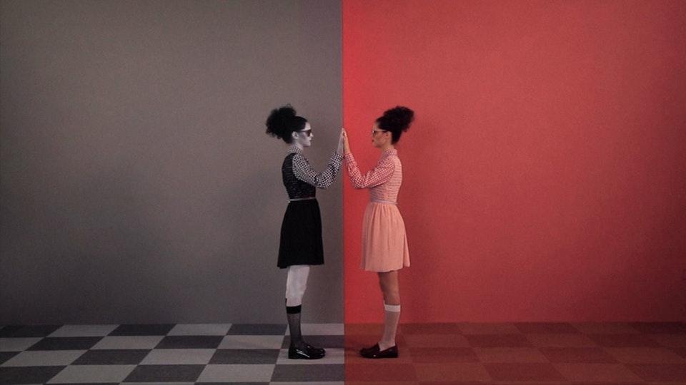 DELS Trumpalump - filmed in colour BODY PAINTING