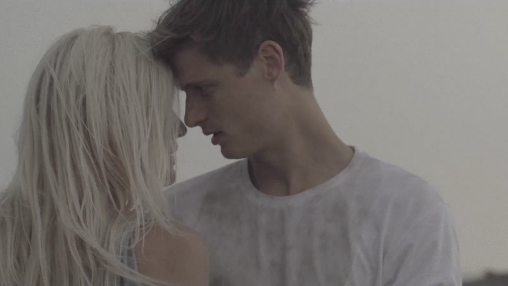 FOXY - Music Video
