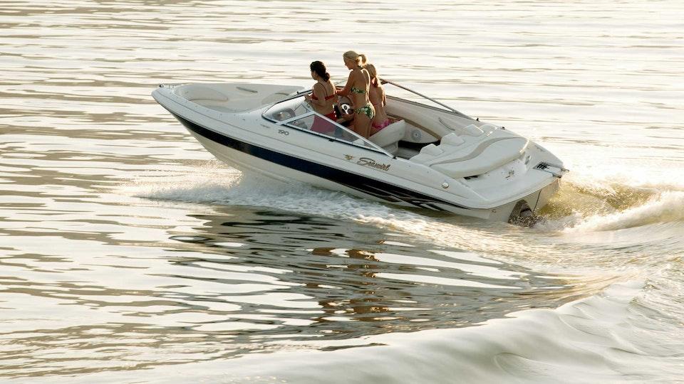 JEFF DOOLEY CREATIVE - Seaswirl Boats: Catalog Design/Photography