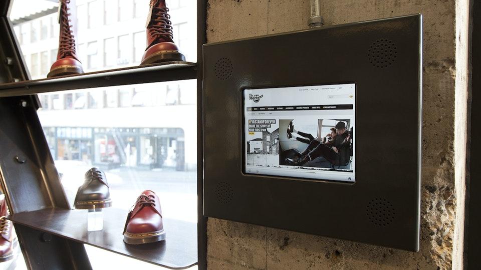 JEFF DOOLEY CREATIVE - Dr. Martens: Retail Campaign