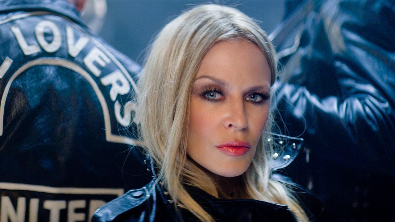 "Kylie Minogue ""Golden Tour"" Dir:  Rob Sinclair"