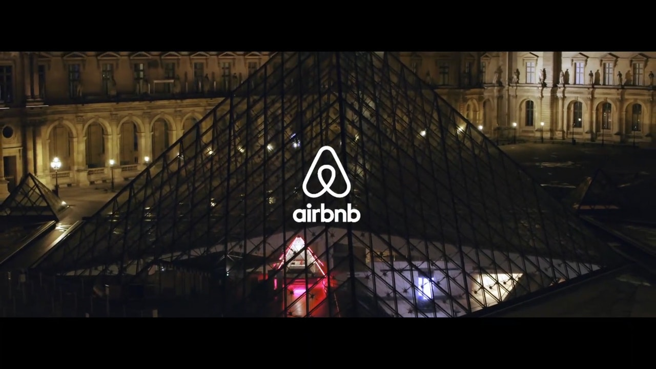 "Airbnb presents ""A night at the Louvre"" : Bexy Cameron"
