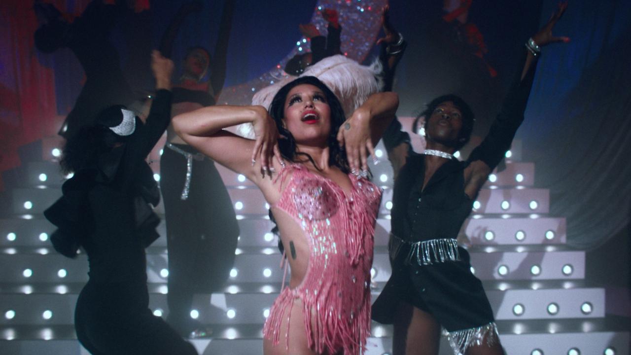 Raye 'Call on Me' Dir Sophia Ray