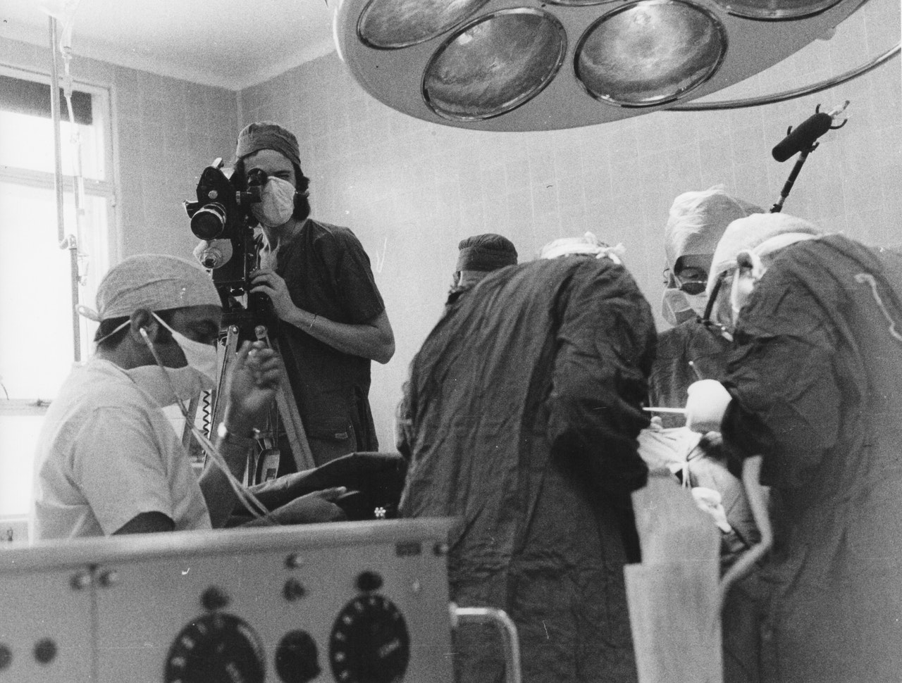 "MIKE SOUTHON SHOOTING ""HOSPITAL' BBC 1976 BOLTON 2"
