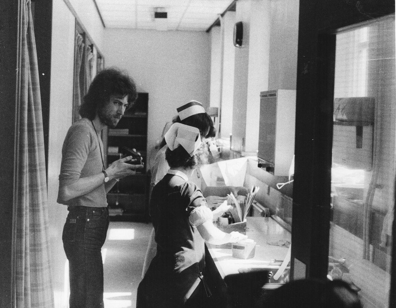 "MIKE SOUTHON SHOOTING ""HOSPITAL' BBC 1976 BOLTON 3"