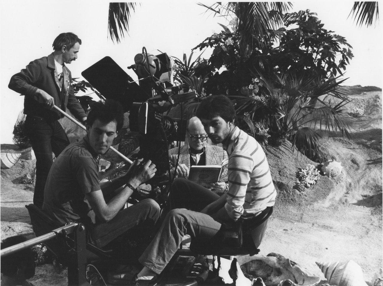 ARENA-DESERT ISLAND DISCS EALING STUDIOS BBC 1981