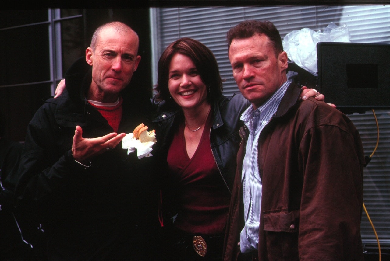 MIKE SOUTHON:MICHAEL ROOKER:CATHERINE ON SET OF REPLICANT