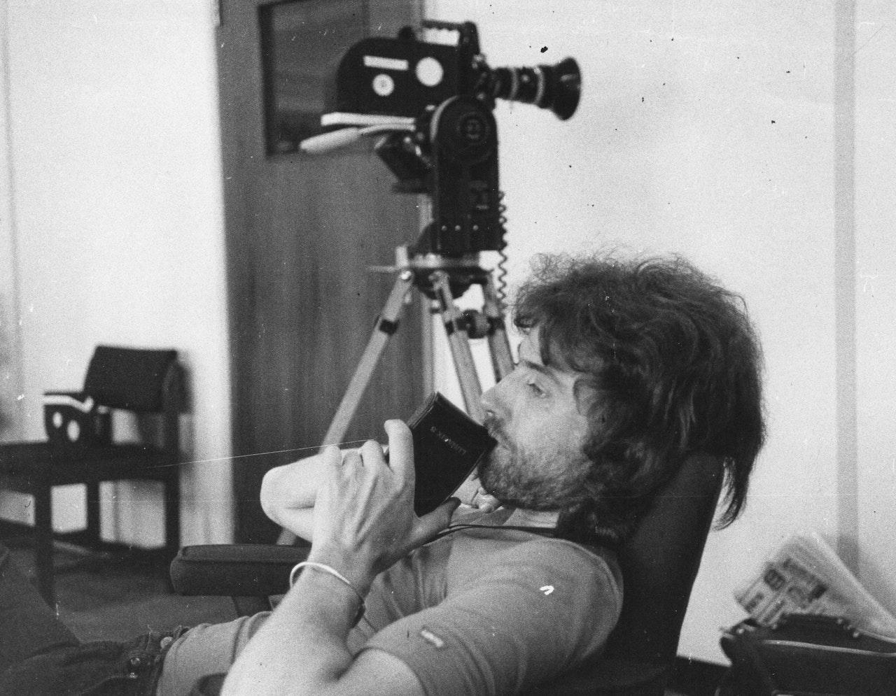 "MIKE SOUTHON SHOOTING ""HOSPITAL' BBC 1976 BOLTON 4"