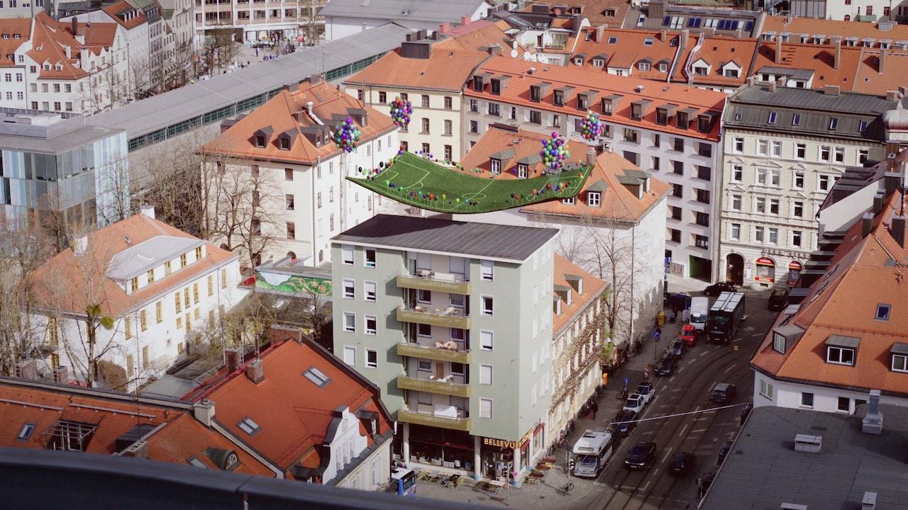 Lass Es Fliegen - Bellevue di Monaco |Social Spot -