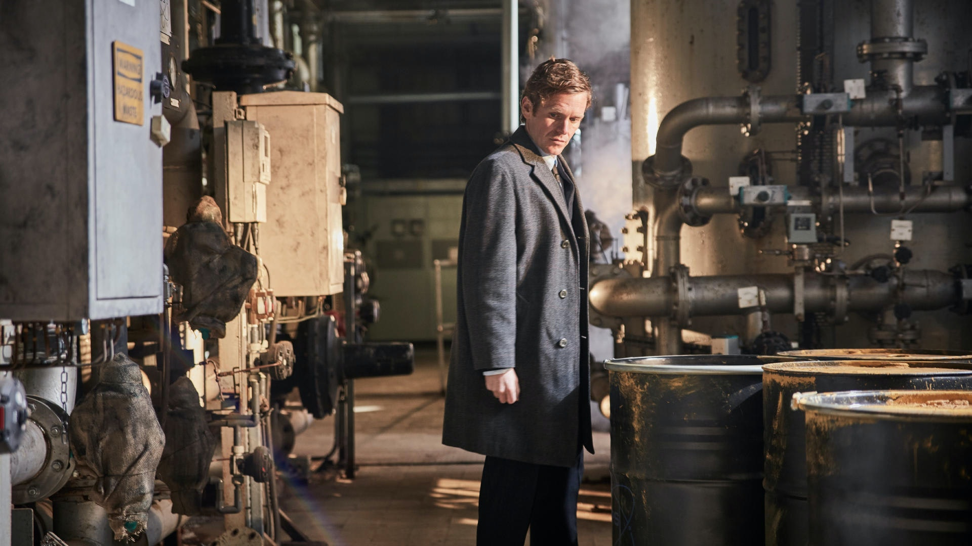 Endeavour-S04E04-9bfc767afef18d00beed36aaa036eb24-full