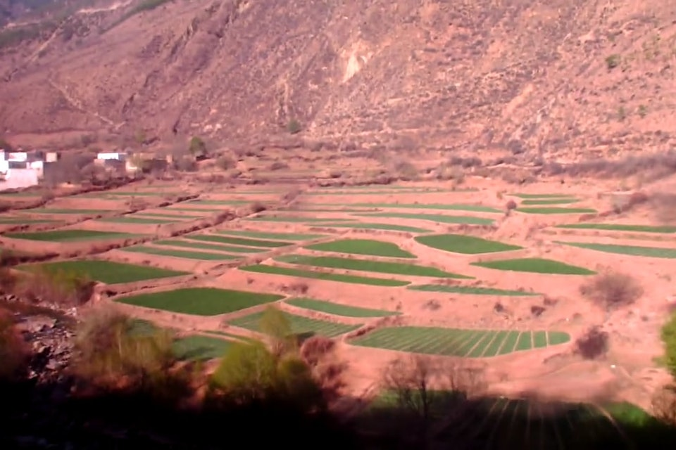 Videos - A bumpy ride between Sichuan and Yunnan province (China)