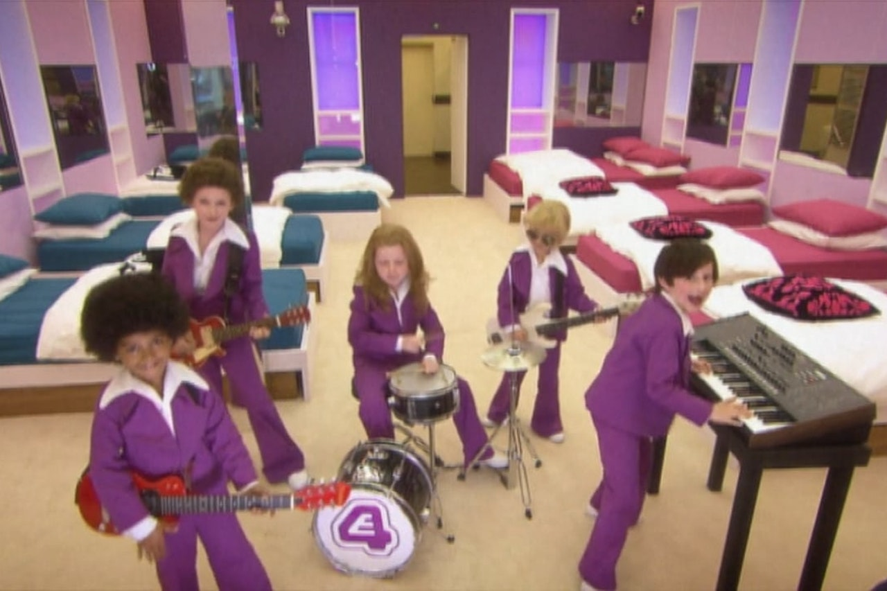 E4 Mini Band Continuity Ident Big Brother's Little Brother