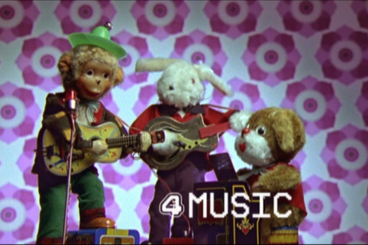 E4 Music Sting Band