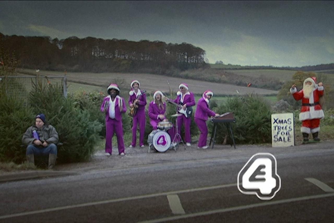 E4 Band Continutiy Ident Xmas Roadside