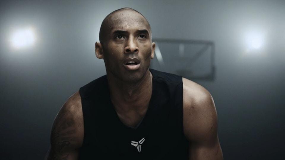 Light. Strong. Nike Flyknit.