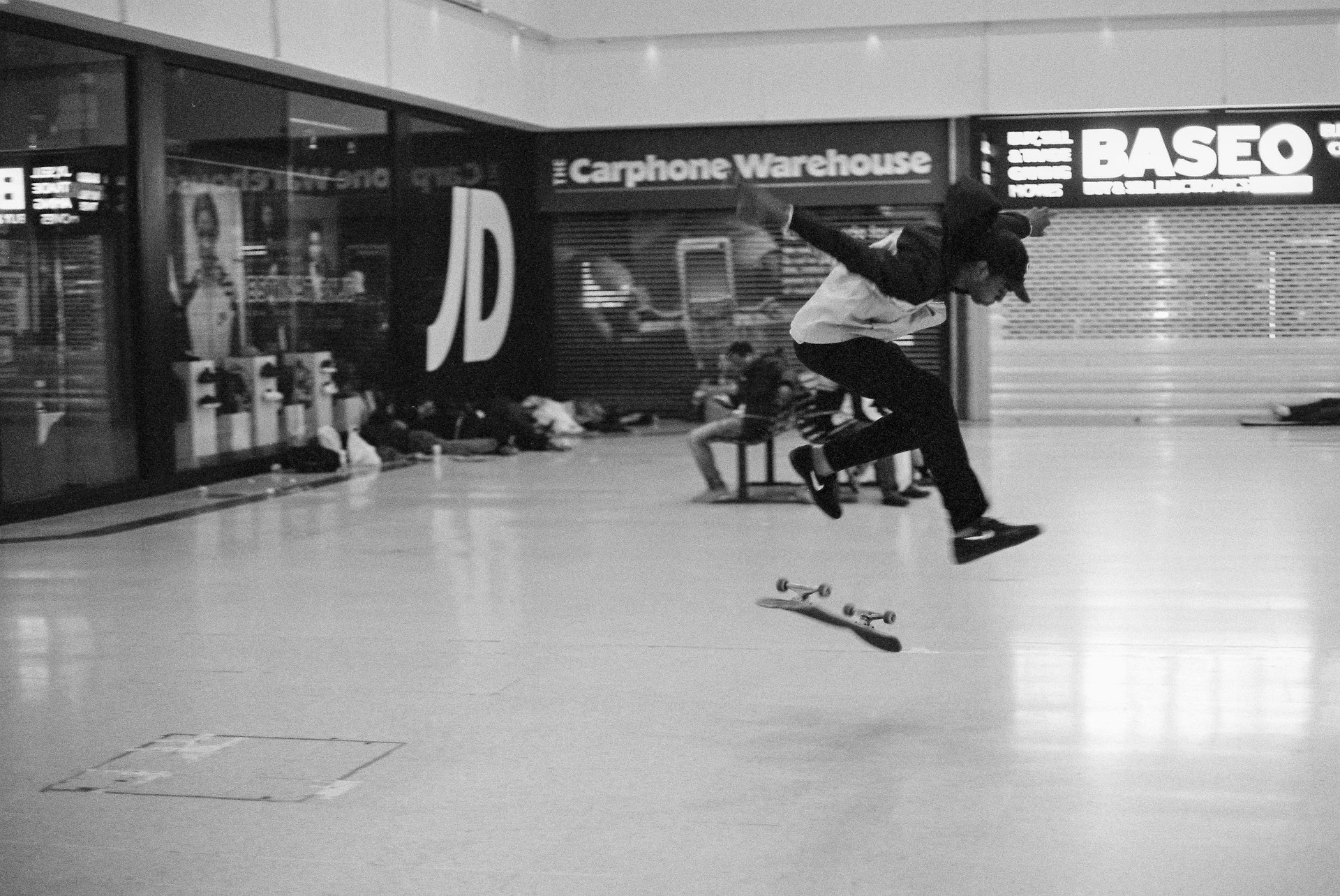 Stratford_Centre_Skaters_Lighter-20