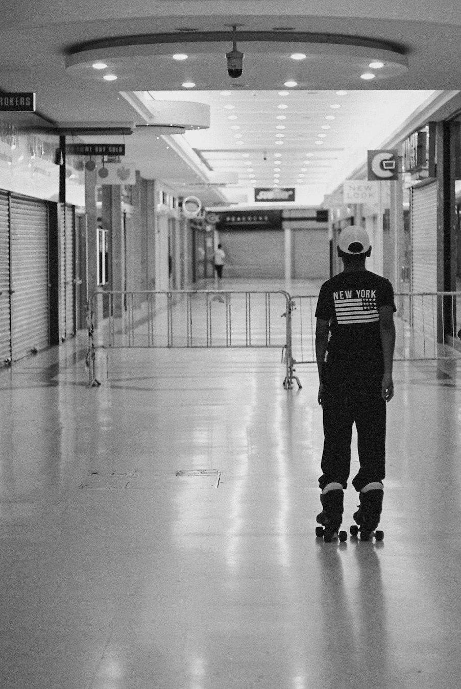 Stratford_Centre_Skaters_Lighter-8