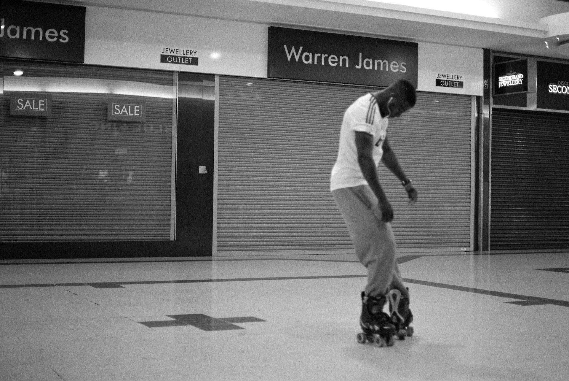 Stratford_Centre_Skaters_Lighter-15
