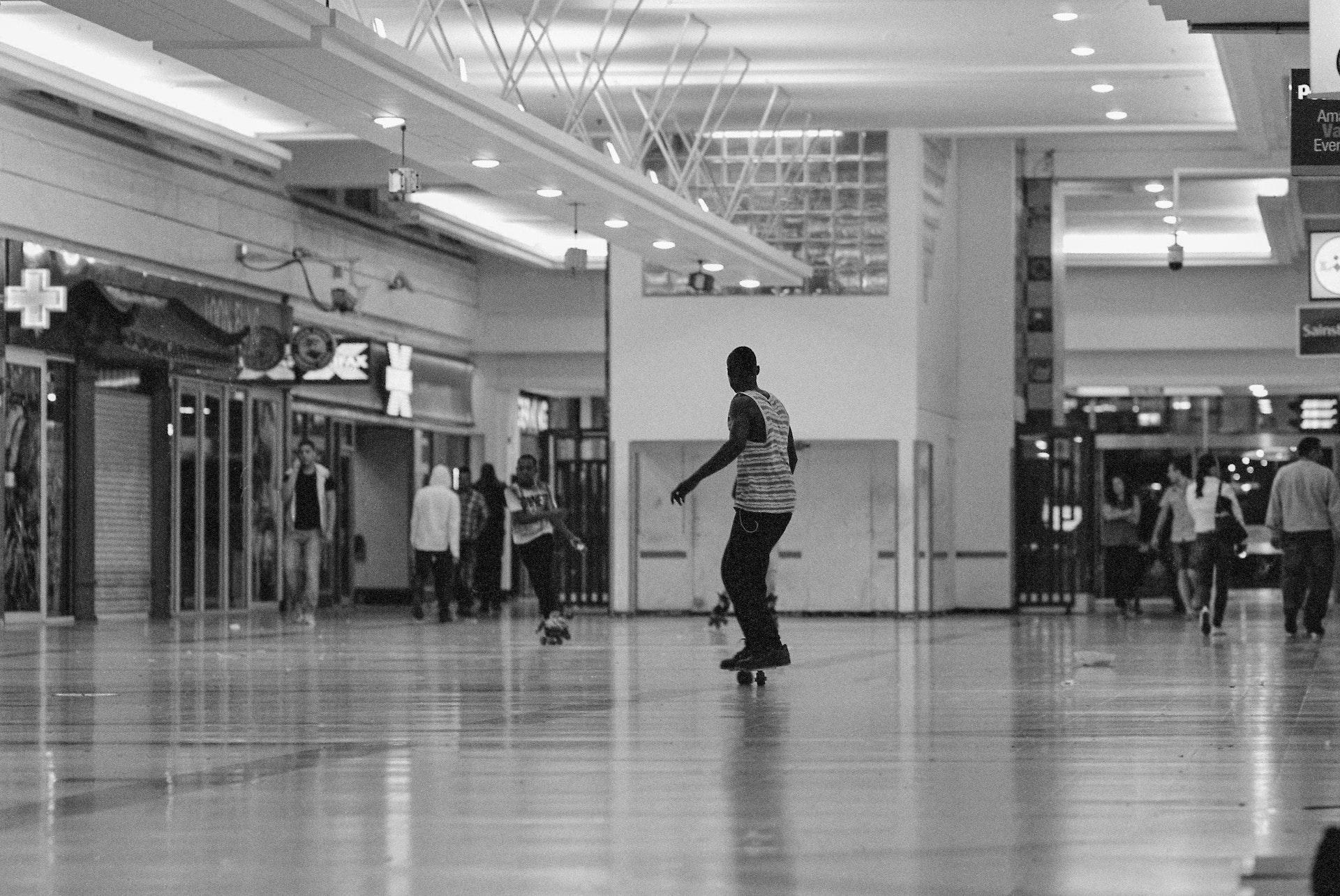 Stratford_Centre_Skaters_Lighter-32
