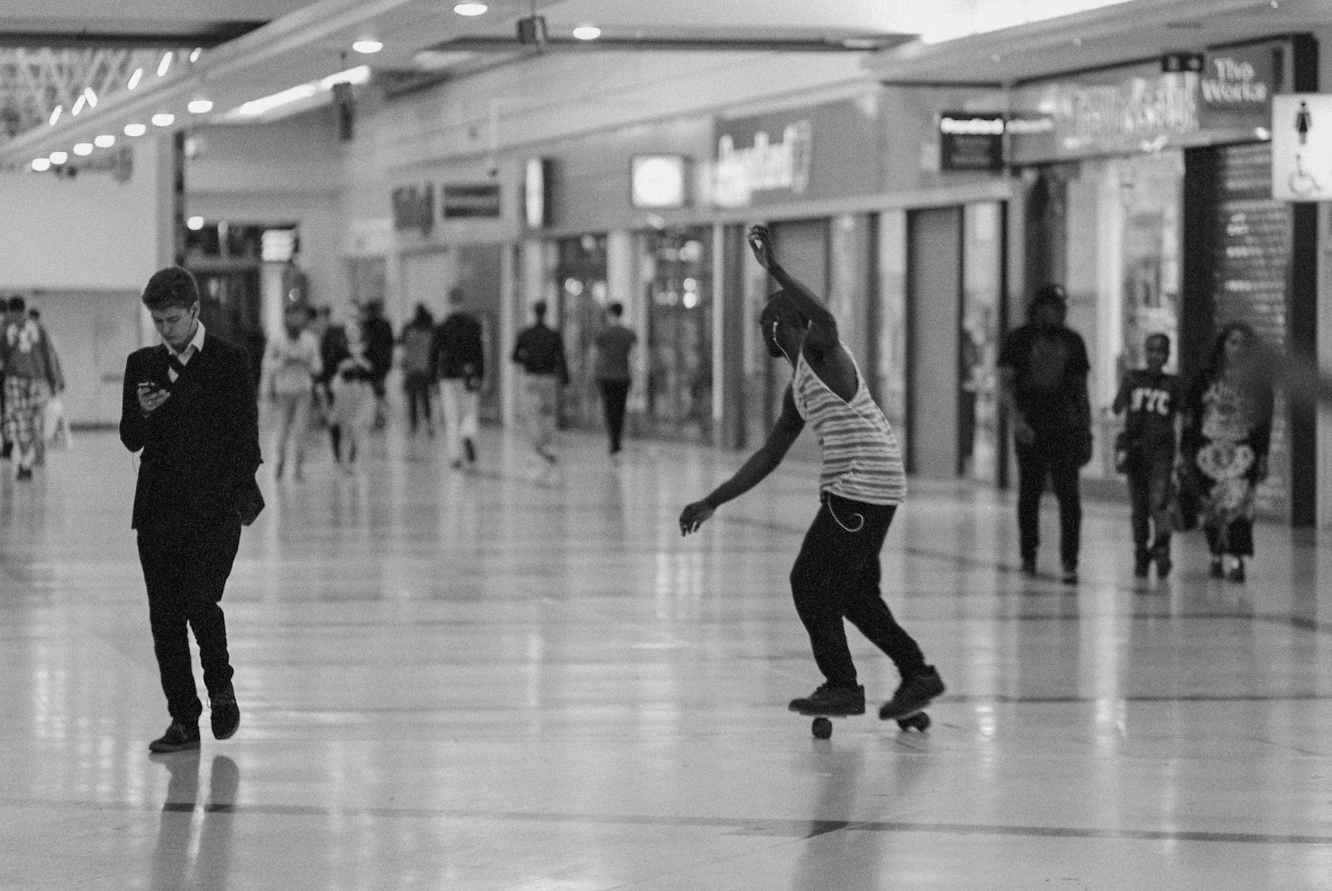 Stratford_Centre_Skaters_Lighter-31