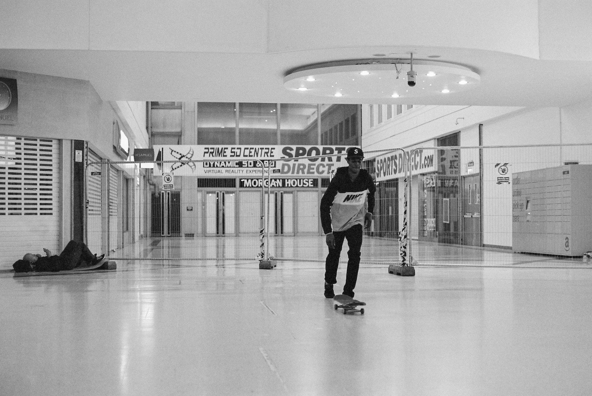 Stratford_Centre_Skaters_Lighter-18