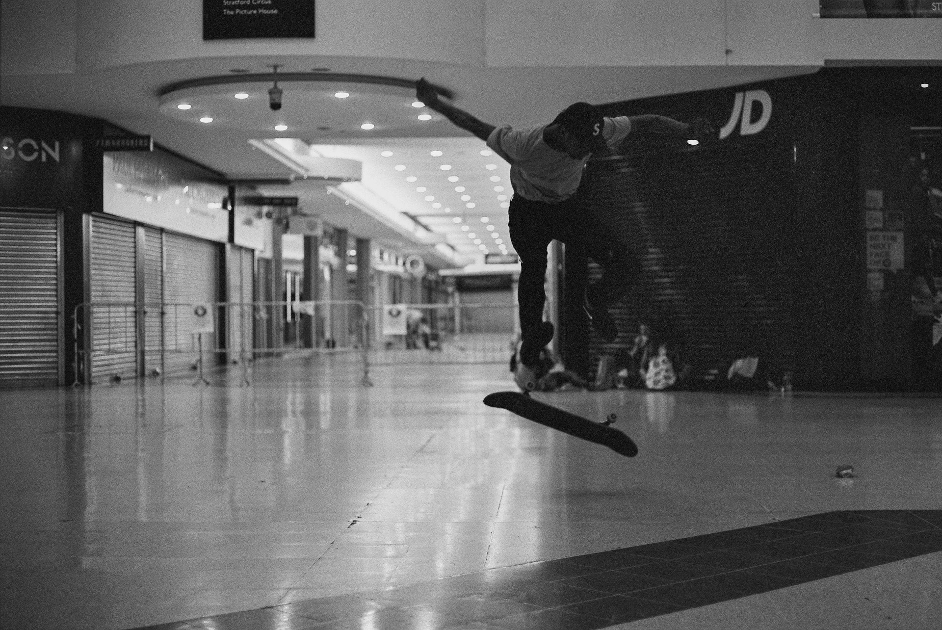 Stratford_Centre_Skaters_Lighter-26