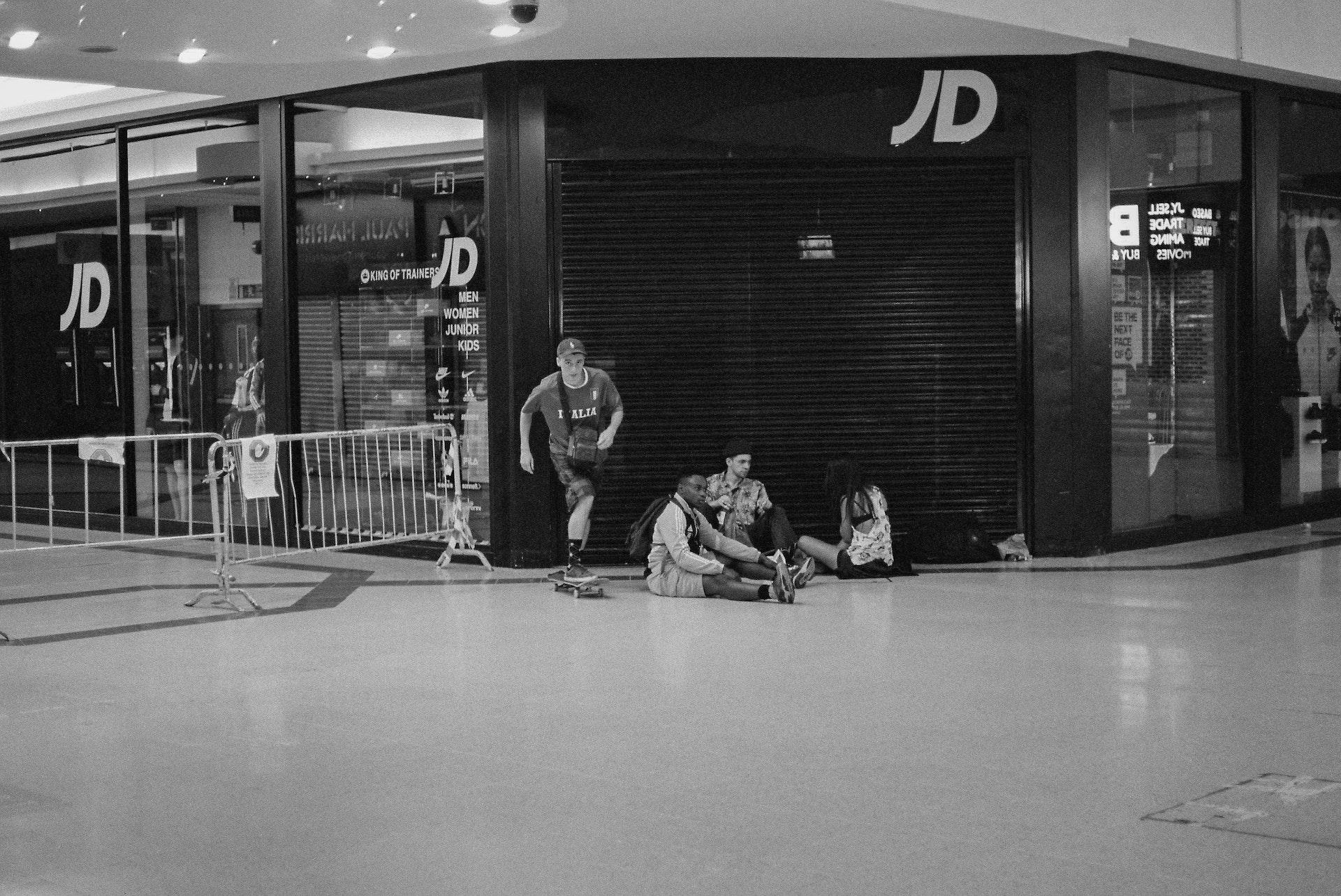 Stratford_Centre_Skaters_Lighter-40