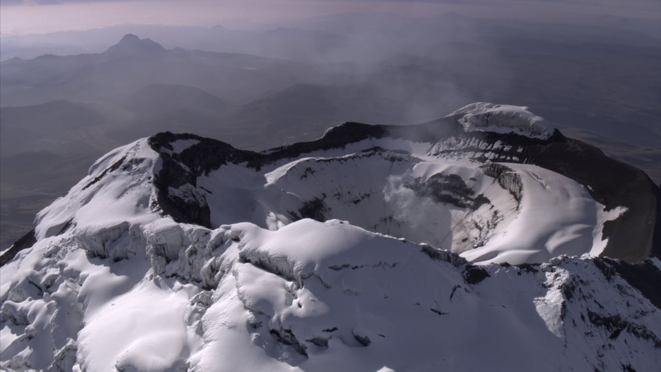 THE WILD ANDES - Life in the Clouds