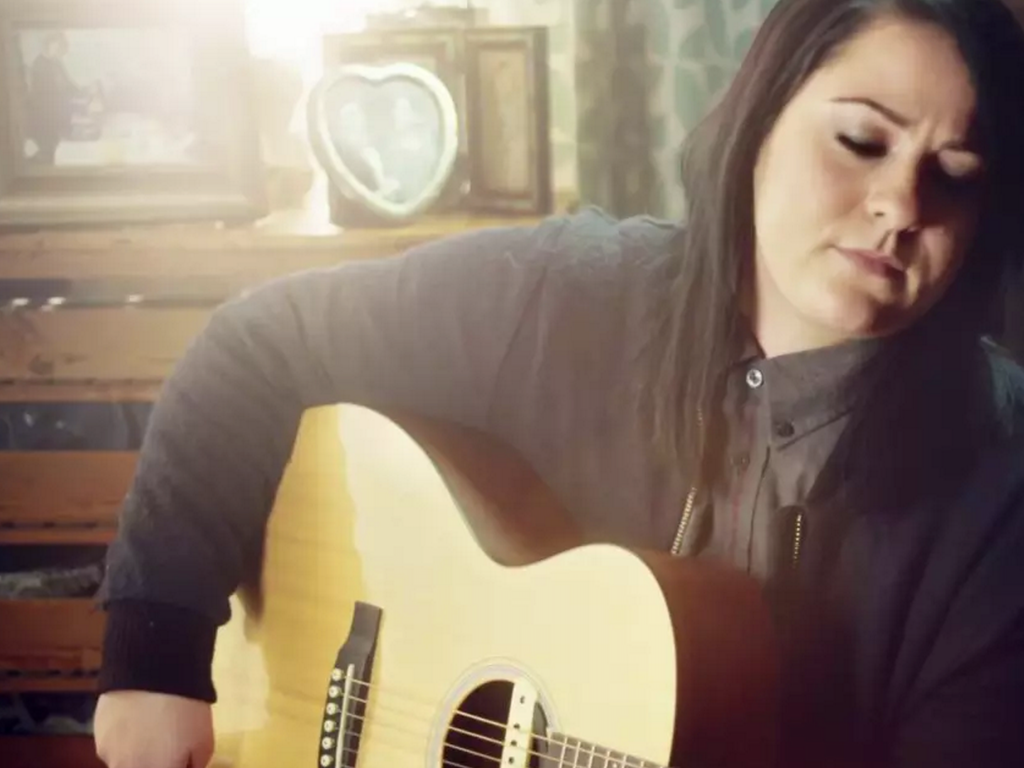 Lucy Spraggan – Tea And Toast