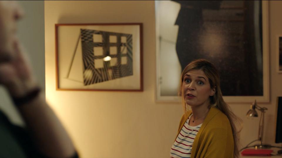 FRENCH BEE - Hotel Room - Captura de pantalla 2018-09-24 a las 14.56.37