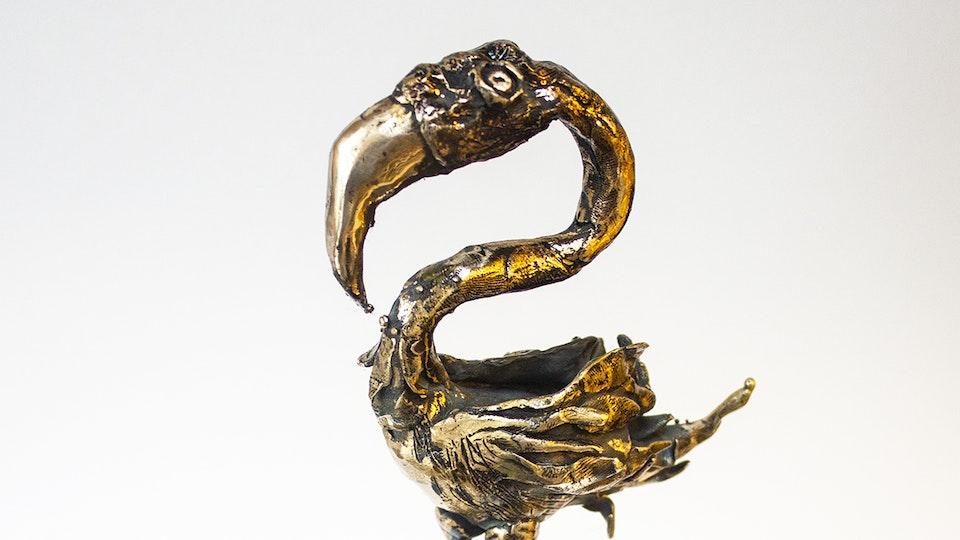 Bronzesculpture: City bird