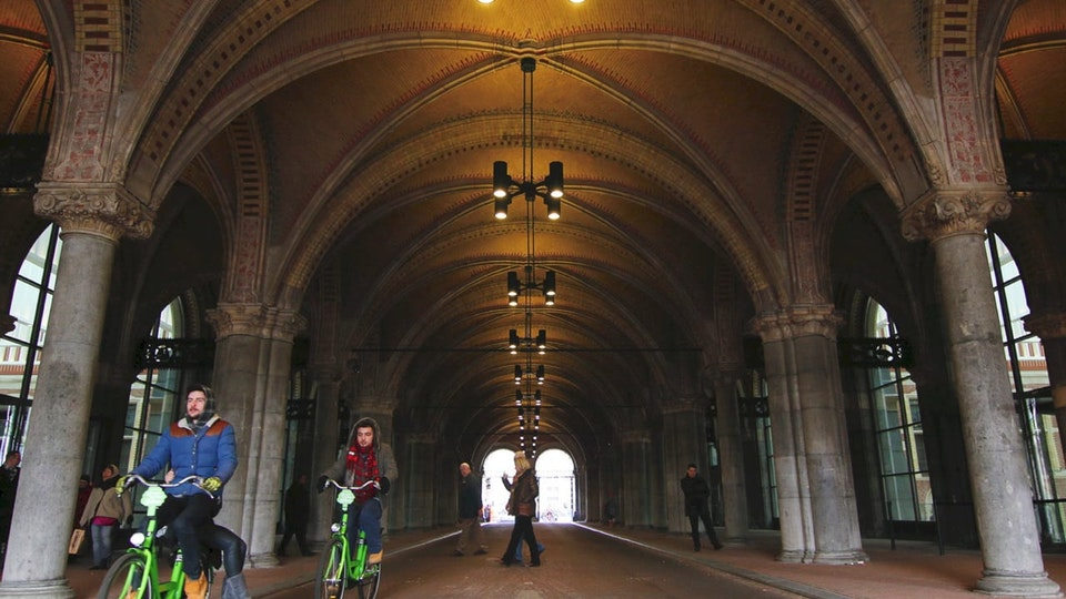 GIJS STOLLMAN // SOUND AND MUSIC - Binaural Audio Recording of the Bicycle Tunnel Rijksmuseum