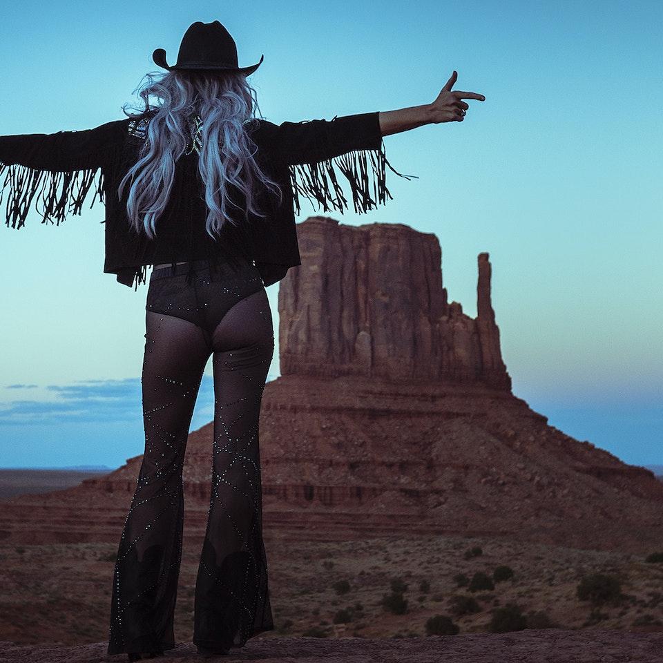 Desert Darling MonumentValley-4_web
