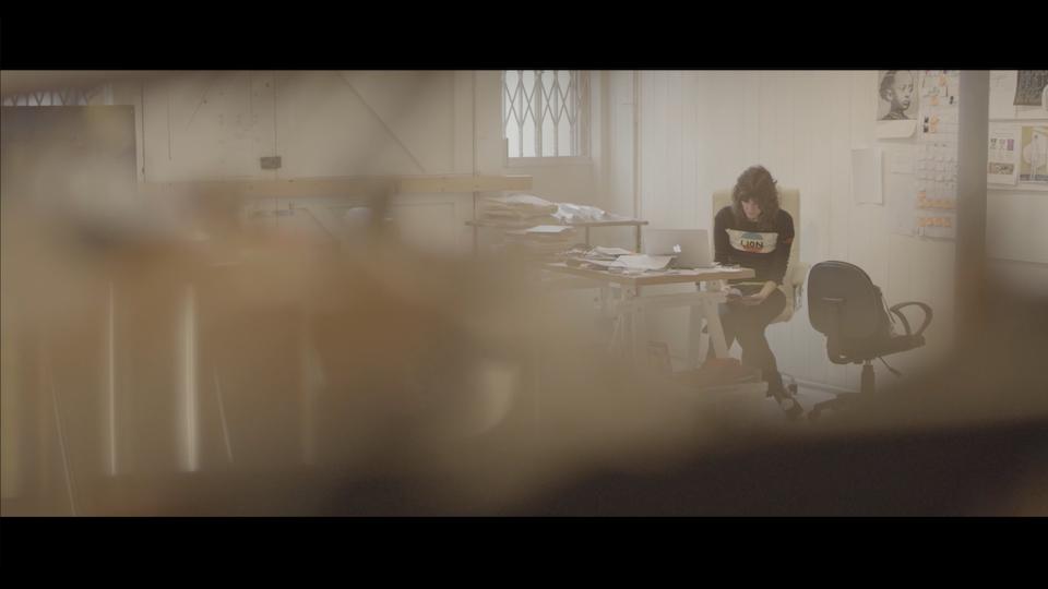 BELLA FREUD & AZZI GLASSER - Le parfume de ma vie - Screen Shot 2017-11-19 at 11.55.48 PM