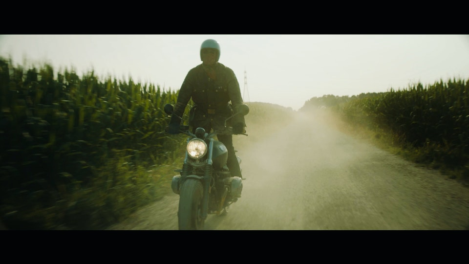 BMW - Roberto Parodi - Screen Shot 2016-10-18 at 2.24.15 AM