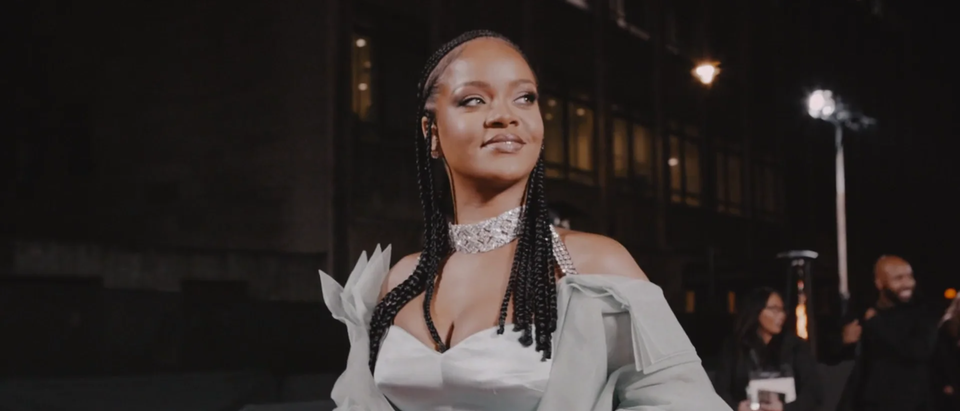 PHASE - FENTY X BRITISH FASHION AWARDS