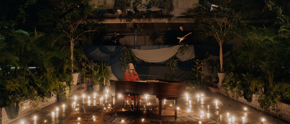 PHASE - FREYA RIDINGS