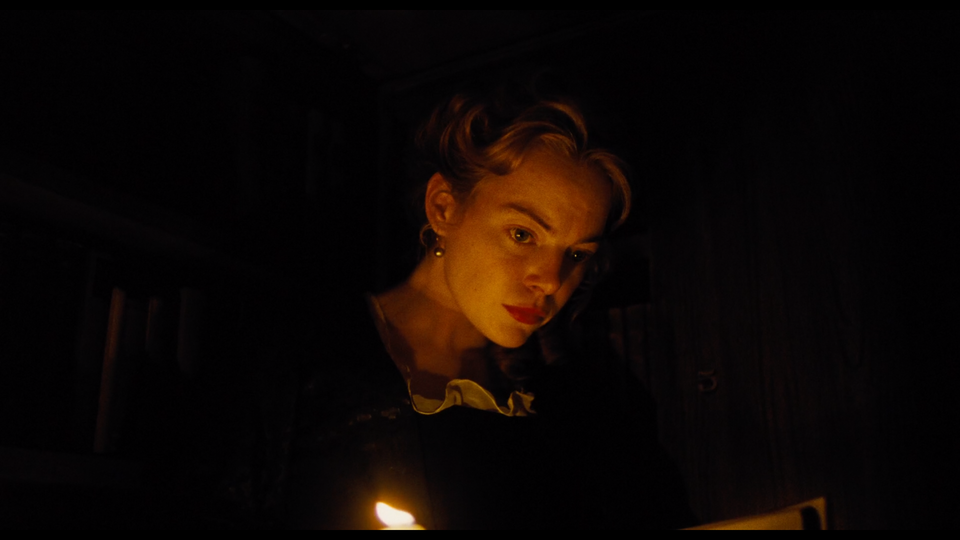 """""""The Favourite"""" - Additional Photography Screenshot 2019-04-28 at 18.52.17"""