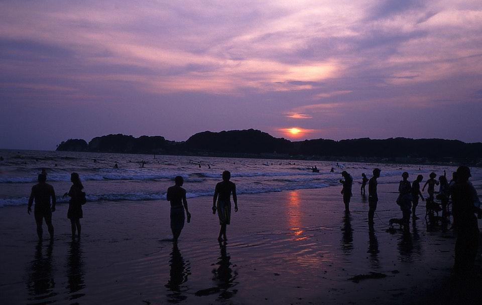 A walk through Japan. kamakura beach2