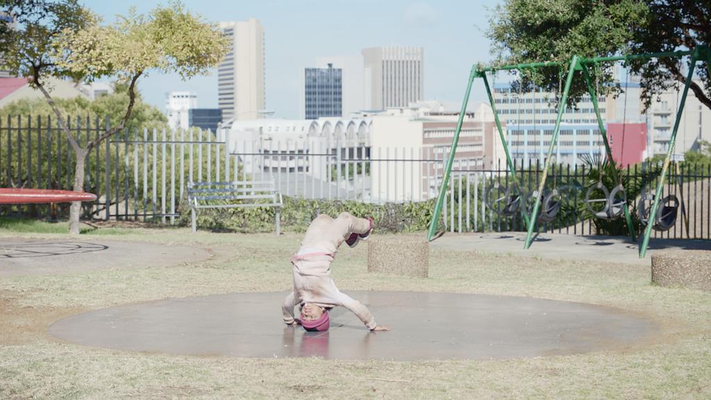 Persil / Breakdancing Girl