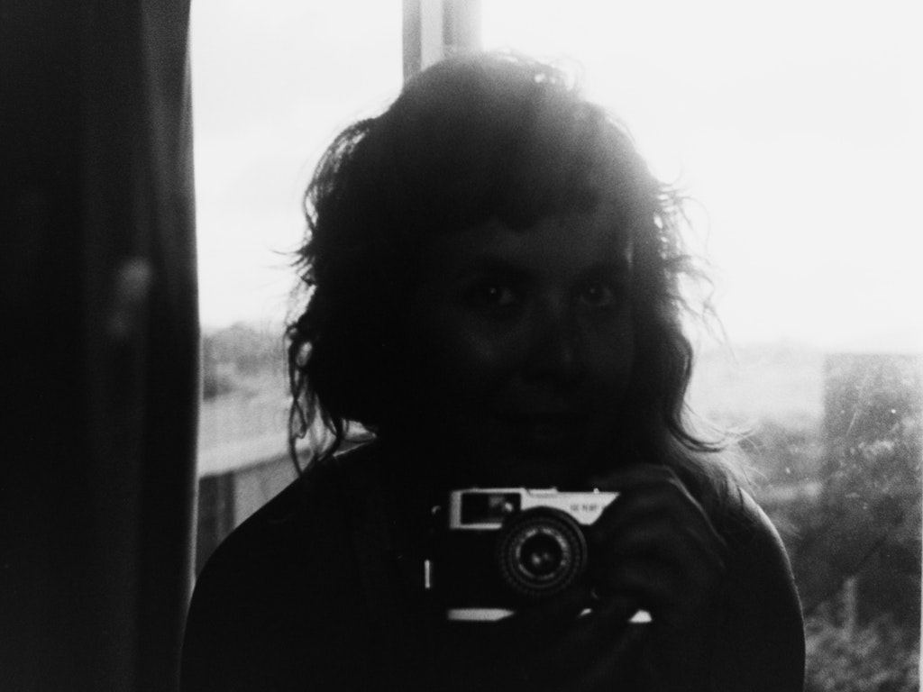 < photography >