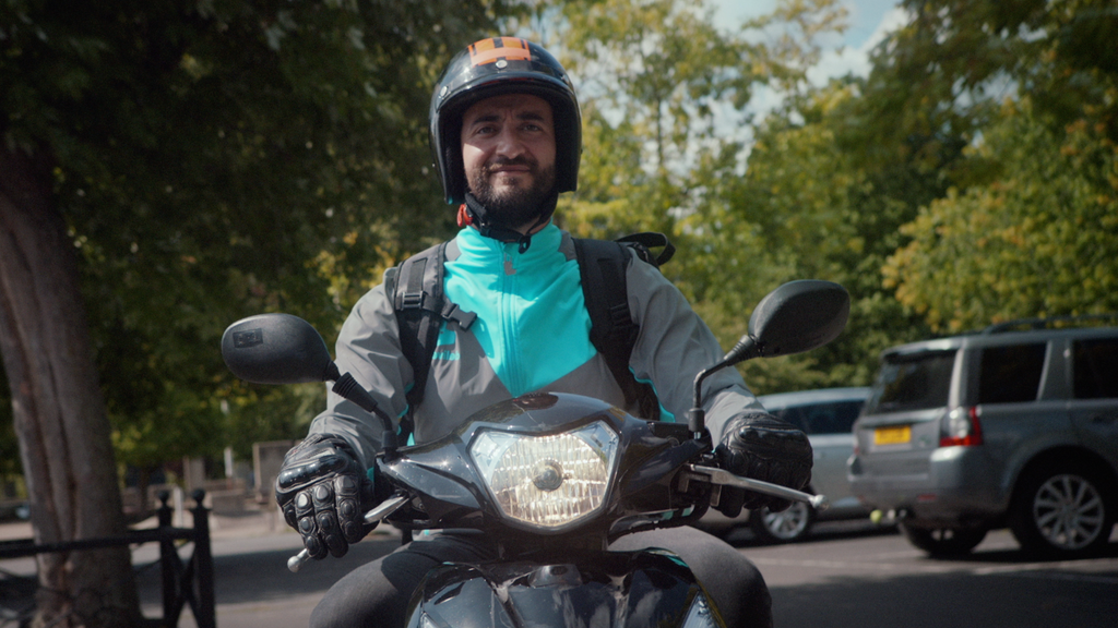 Luc Reso Janin directs dynamic and fun commercial for Deliveroo