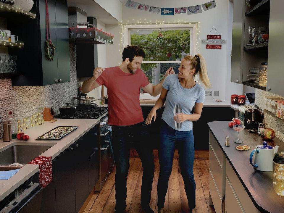 kitchen vis daytime -