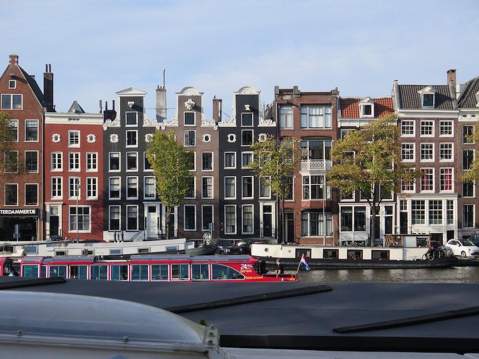 Dam Apartments