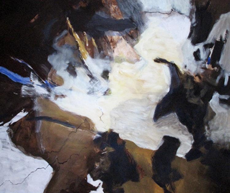 """Vinterweb - Til jord Format 140 x 115 cm Solgt Utstilt på Østlandsutstillingen. Maria Veie Sandvik:  Kari Nordheim har laget et maleri som både kan leses som abstrakt og som et landskap. Verket domineres av et hvitt midtfelt som strekker seg og flommer ned fra høyre del av bildet som en sprutende foss. Vassdraget omkranses av brune steiner, drivved og kvister. På tross av bildets figurative karakter er det slående friskt uten tilsnitt til bruk av klisjeer eller enkle virkemiddel. Tittelen """"Til jord"""" gir assosiasjoner til begravelser - kan vi skimte noe som er dødt? Nordheim utfordrer oss med denne tittelen til å sette fokus på hva som er skjedd i det området som oversvømmes."""